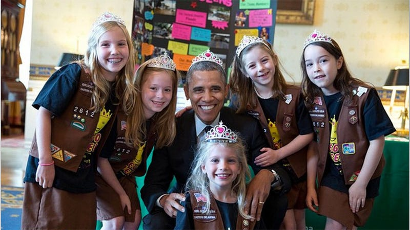 Illustration for article titled Obama Breaks All the Rules, Wears a Tiara With the Girl Scouts