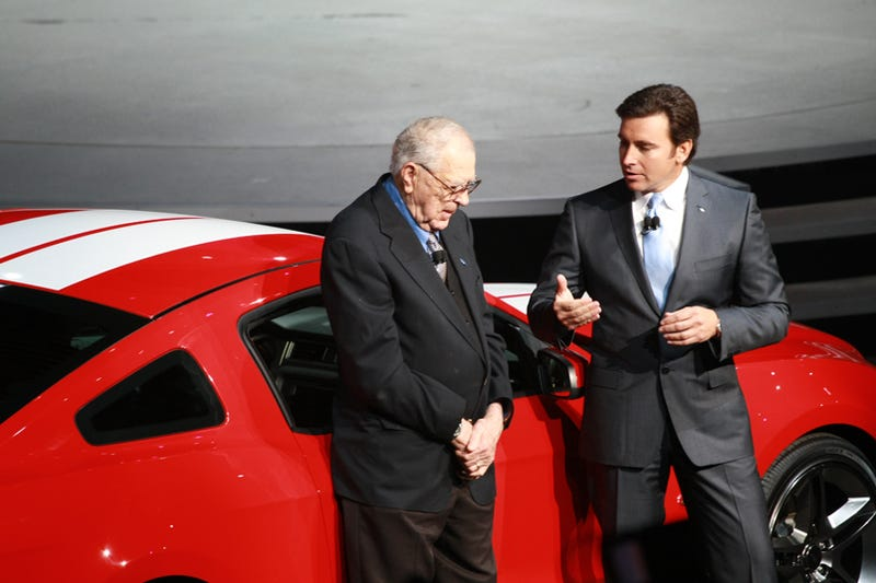 Illustration for article titled Carroll Shelby Introduces 2010 Shelby GT500 Coupe, Convertible At Detroit