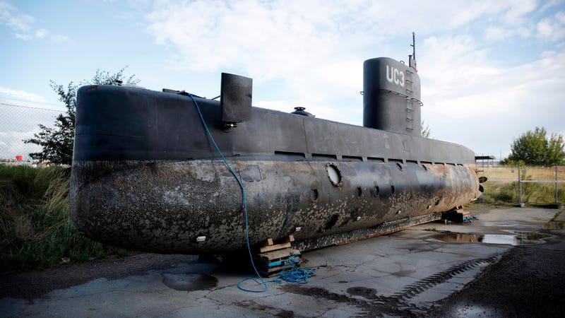 El submarino de Peter Madsen bajo custodia policial en Copenhague. Imagen: Jens Dresling/Ritzau Foto vía AP