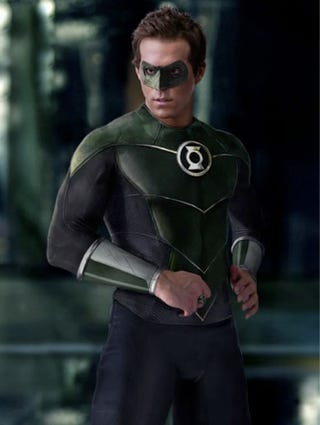 Illustration for article titled Ryan Reynolds' Green Lantern Costume Is Snug In All The Right Places
