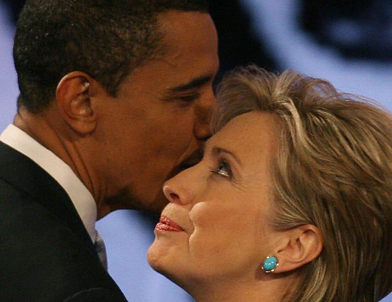 Illustration for article titled Straddling the Clinton-Obama Divide