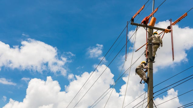 How to Get Compensated for Electricity, Cable and Internet When Your Power Goes Out