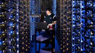 Illustration for article titled Full Virtual Access Inside Google's Secretive Data Centers