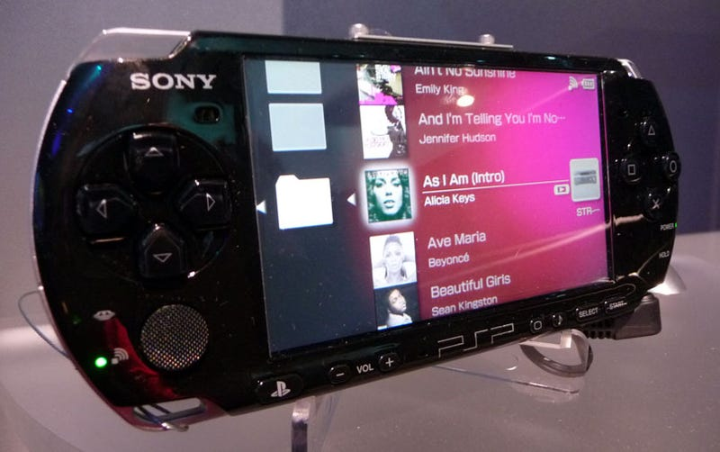 Illustration for article titled CES 09: Sony Testing PSP As Multimedia Remote At CES