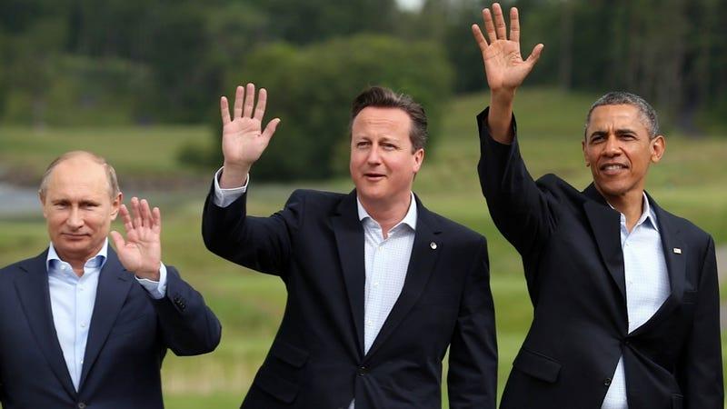 Illustration for article titled British Writer Bemoans David Cameron's Lack of Sartorial Joie