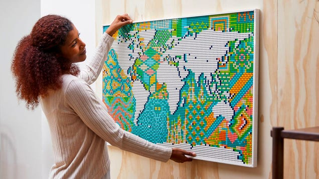 The Largest Lego Set Ever Is a Map of the World That Will Test Your Sanity With Over 11,000 Tiny Dots