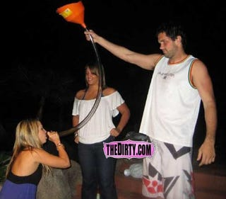 Illustration for article titled Matt Leinart Is Taking His Offseason Film Work Quite Seriously