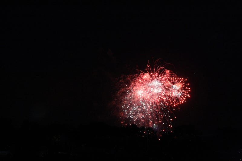 Illustration for article titled First try photographing fireworks