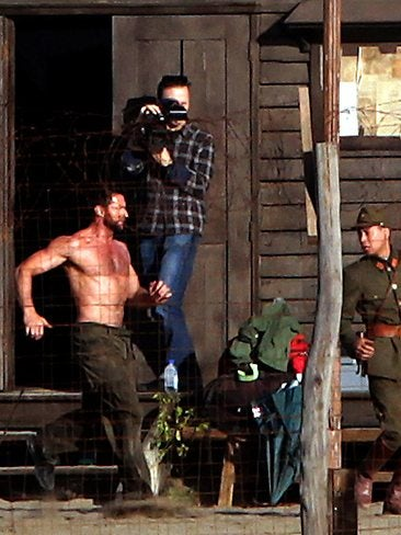 Illustration for article titled The Wolverine - Set Photos