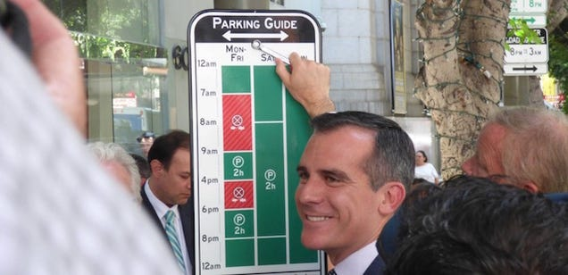 LA's New Parking Signs Are Brilliant and Every City Should Copy Them
