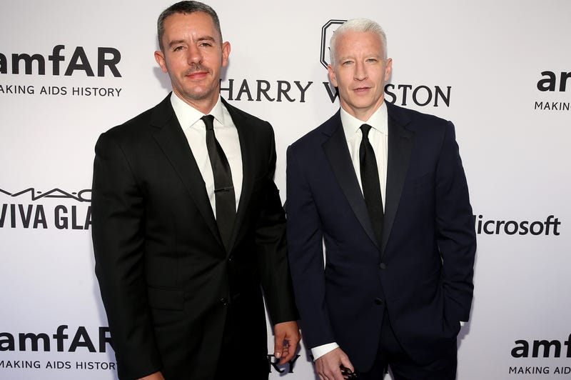 Illustration for article titled Anderson Cooper Reveals He and Longtime Boyfriend Benjamin Maisani Broke Up 'Some Time Ago'