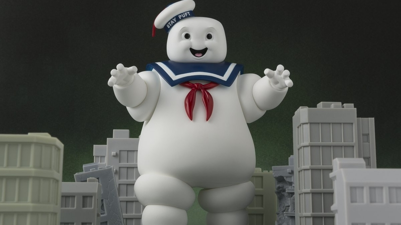 Illustration for article titled Miniature Plastic Cities Will Tremble Before Figuarts' Stay Puft Marshmallow Man
