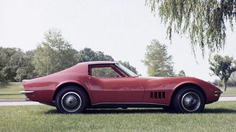 Illustration for article titled Let's Get Nostalgic Remembering Our First Automotive Loves