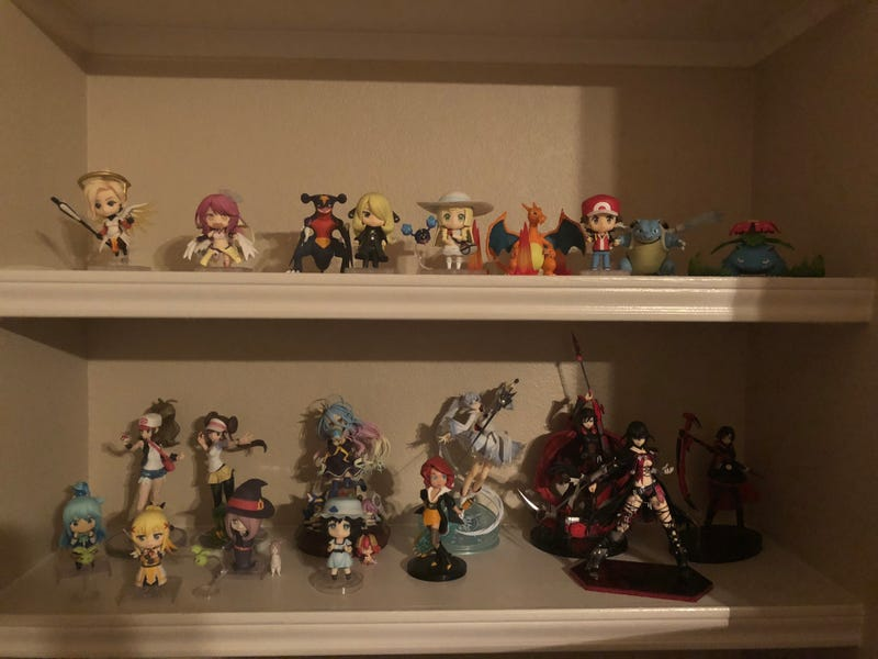 I'll put the Nendoroids in the header. Everyone loves nendos.