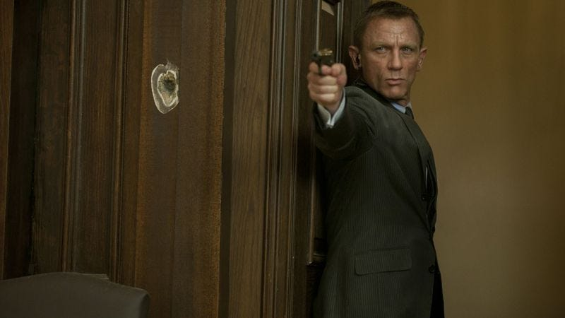 Illustration for article titled Daniel Craig will keep playing James Bond for at least two more movies