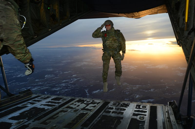 Illustration for article titled This Special Operations Soldier Takes A Big Leap In Style