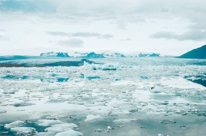Illustration for article titled Una fuente desconocida de calor geotérmico está derritiendo las capas de hielo de la Antártida