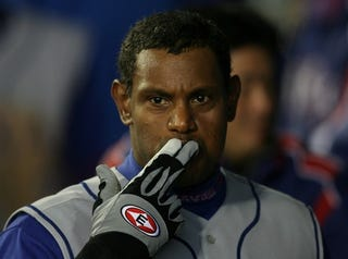 Illustration for article titled Sammy Sosa Does Not Come To You For A Contract Offer