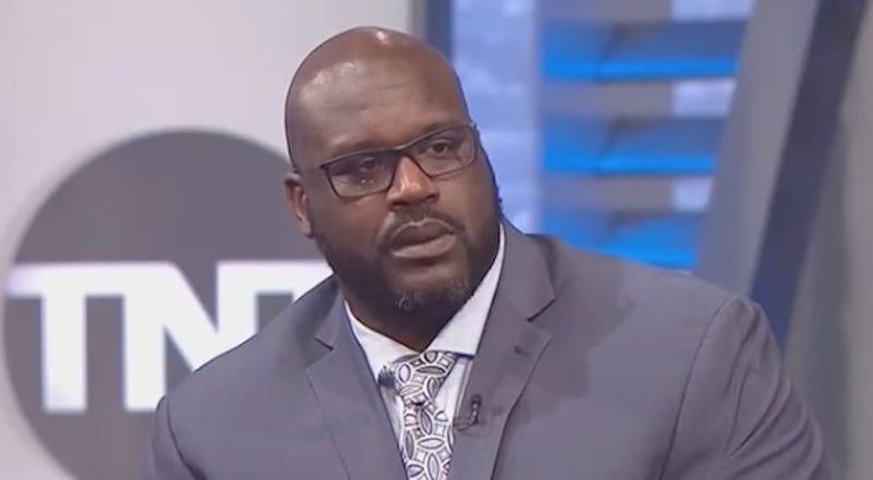9ba2e1a82b72 Illustration for article titled Shaq Looked Like He Really Wanted To Punch Charles  Barkley In The