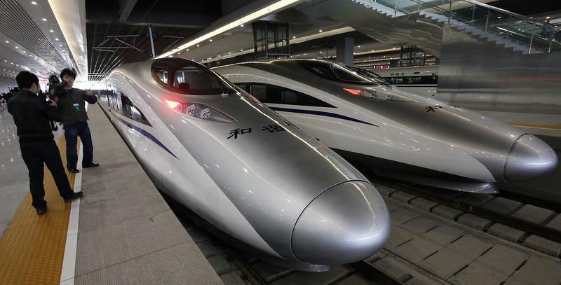 Illustration for article titled Por qué el tren de alta velocidad es en realidad un fiasco económico