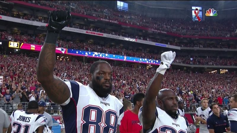 Illustration for article titled Patriots Devin McCourty And Martellus Bennett Won't Visit Trump White House