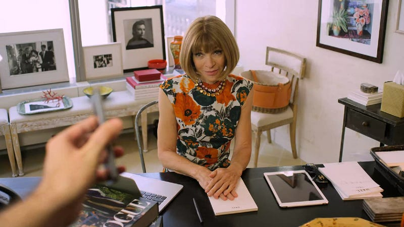 Illustration for article titled Anna Wintour Has Never Taken a Selfie and Doesn't Plan to Start Now