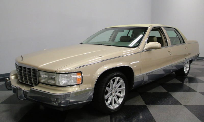 Illustration for article titled At $17,995, Would You Add This 1996 Cadillac Fleetwood To Your Fleet?