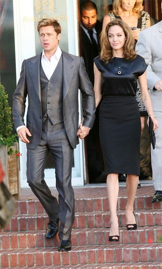 """Illustration for article titled Angelina, Brad Show The French What """"Chic"""" Looks Like"""