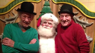 Illustration for article titled BFFs Patrick Stewart and Ian McKellen Take World's Cutest Santa Photo