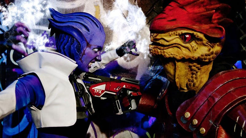 Illustration for article titled Mass Effect Cosplay is Like A Real-Life Director's Cut