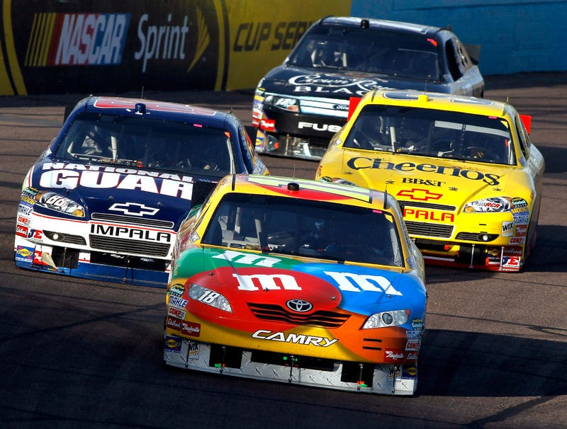 Illustration for article titled Only 4 Drivers Left Alive Go Into Final NASCAR Race Of Season