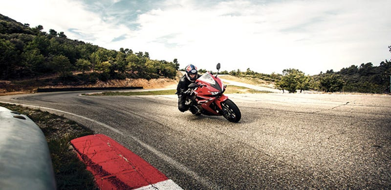 Illustration for article titled Honda's New CBR Is A Sportbike For Sane People