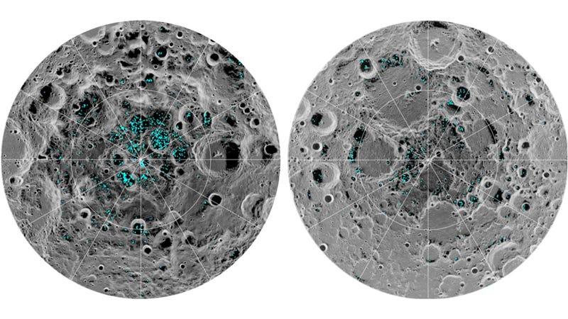 Distribución del hielo (an azul) sobre las regiones polares de la Luna