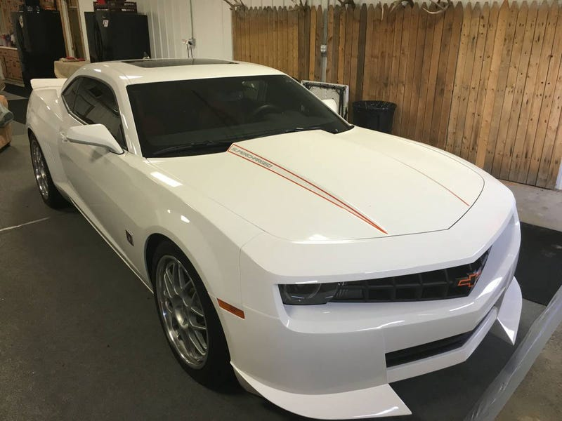 Illustration for article titled For $56,500, Could This Autographed Hendrick-Modded 2010 Chevy Camaro SS Sign You Up?