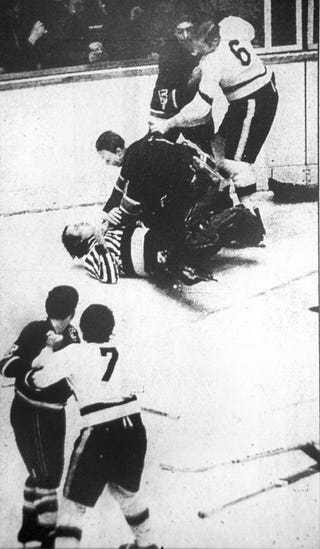 Illustration for article titled Remembering The Night A Ref Punched A Player And A Goalie Choked The Ref