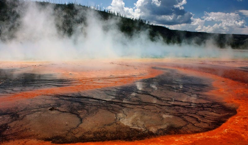 Estanques termales de Yellowstone. Foto: Nina B / Shutterstock
