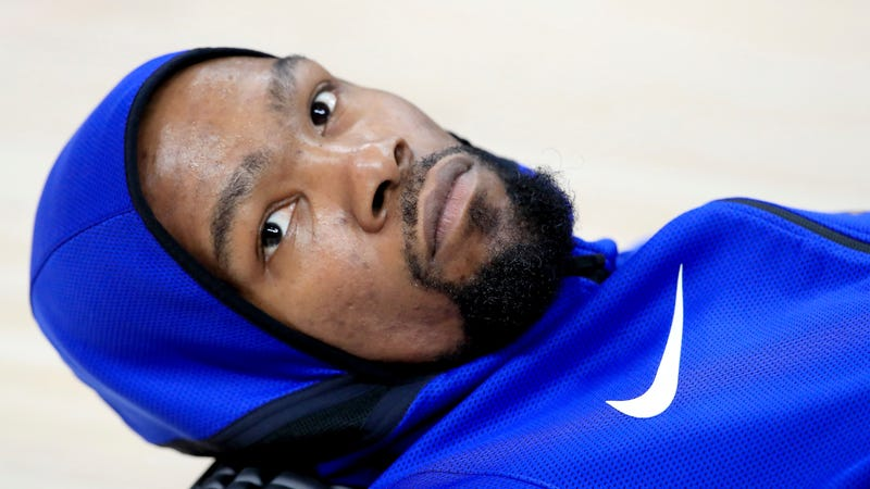 Illustration for article titled Kevin Durant Stops Ignoring The Media So That He Can Yell At The Media