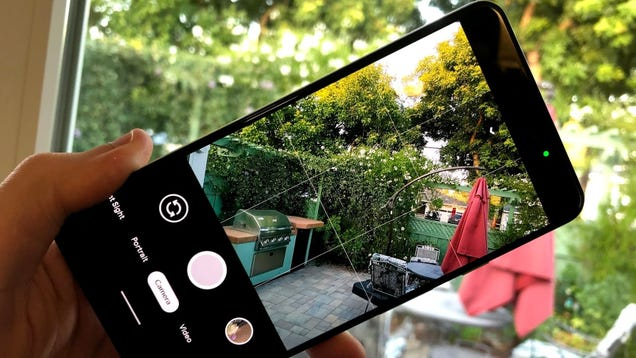 See When Other Apps Use Your Microphone or Camera With This Android App