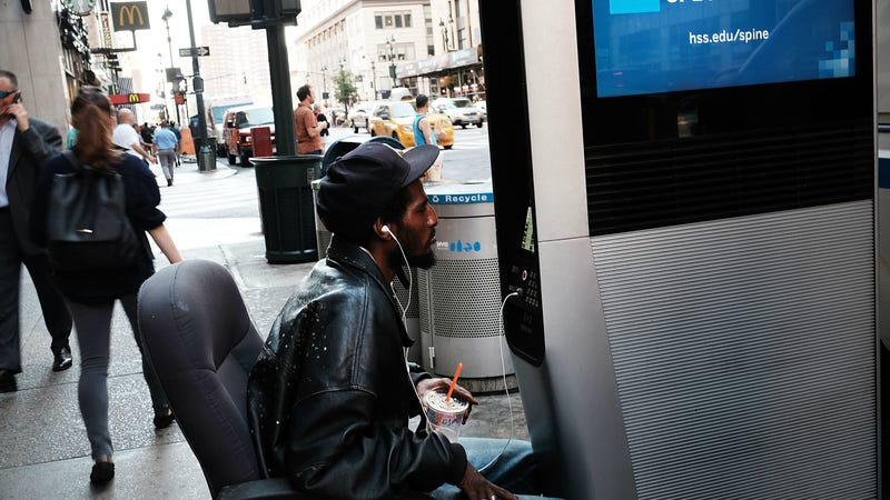 Illustration for article titled Free Web BrowsingDisabled onNYC Internet Kiosks BecauseHomeless People