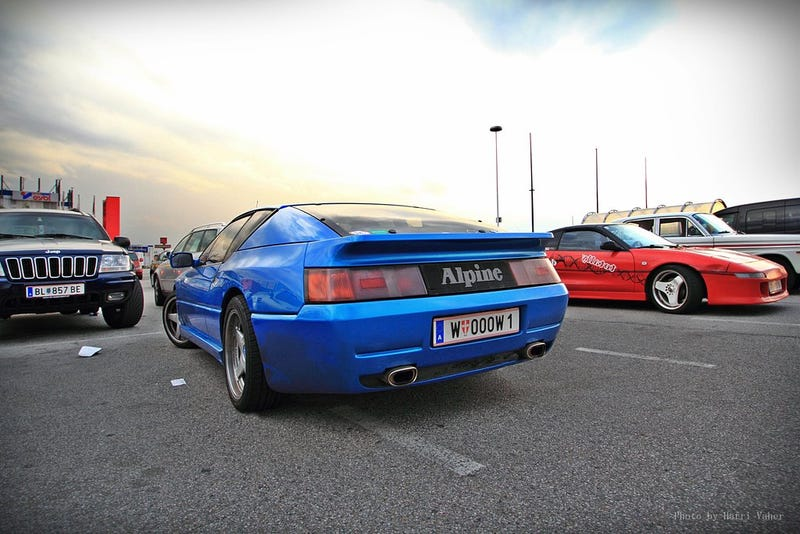 Illustration for article titled Would You Rather Have a Renault GTA Alpine or a Lotus Esprit?