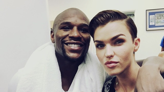 Illustration for article titled Ruby Rose's Fan Club Decreases After Selfie With Floyd Mayweather