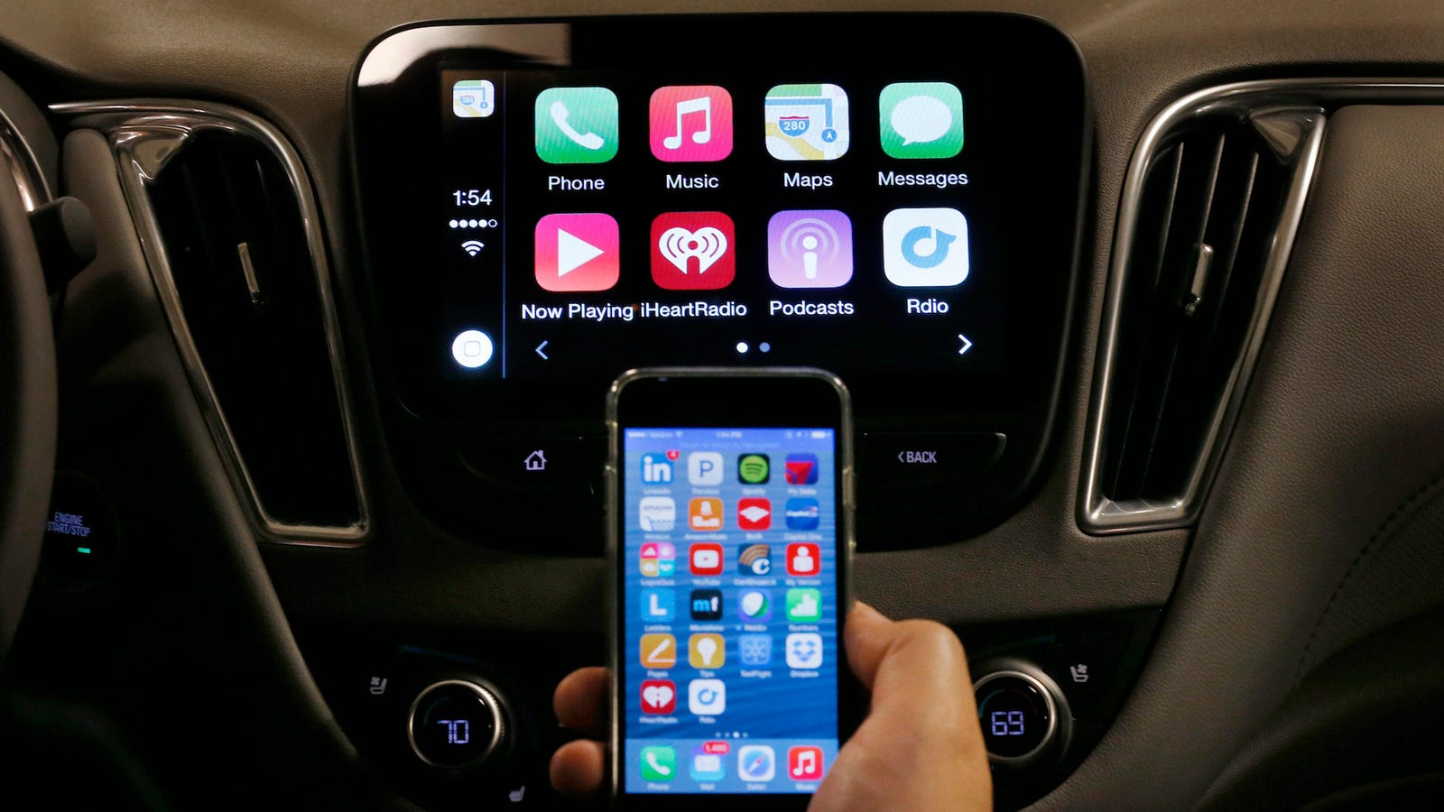 Bmw wants to turn apple carplay into a subscription service for Honda fit carplay