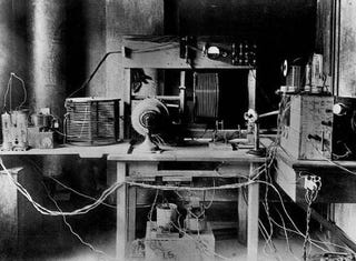 Illustration for article titled The Commercial Radio Revolution Switched On 90 Years Ago Today