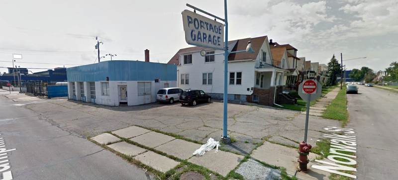 Illustration for article titled Amazing Detroit-Area Repair Shop And Duplex Can Be Yours For $99,000