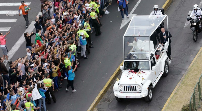 Illustration for article titled Pope Francis Is Rolling In This Sweet Jeep Wrangler Popemobile Now