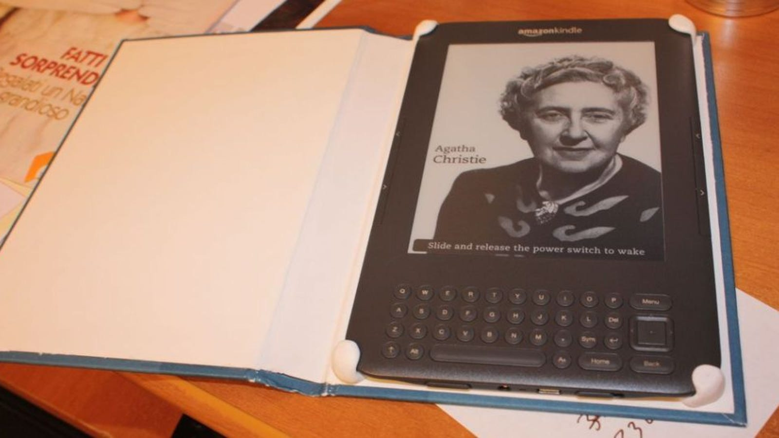 Change Book Cover Diy : Turn an old book cover into a tablet or ereader case with