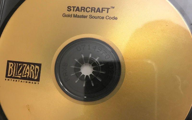 Illustration for article titled Encuentra un disco con el código fuente de StarCraft, lo devuelve a Blizzard y consigue un viaje gratis a la BlizzCon