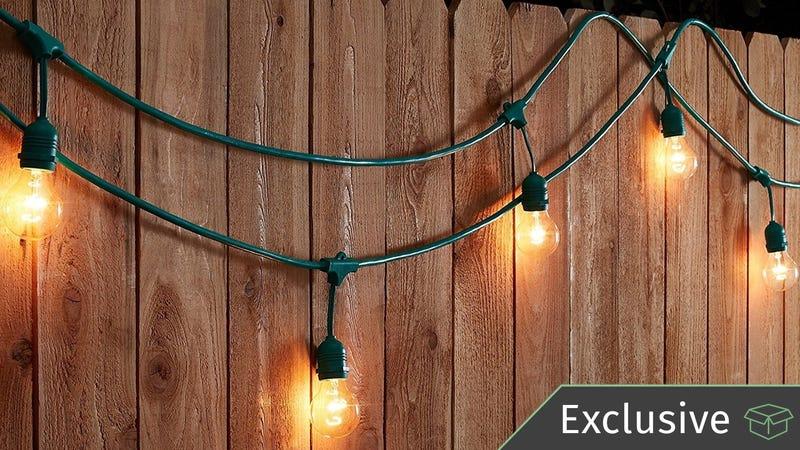 Luces de adorno AmazonBasics de 48' para exteriores | $38 | Amazon | Usa el código 20KINJA