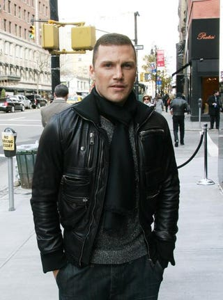 Illustration for article titled Sean Avery Will Now Have To J.O. To Dallas Ladies