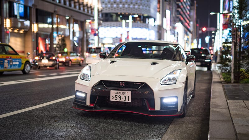here's what it's like to chase ferraris in a nissan gt-r nismo
